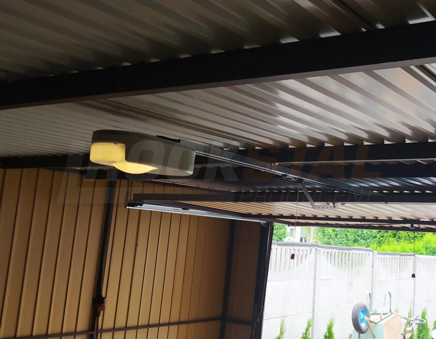 Garaż blaszany z bramą segmentową z pełną automatyką? Tak, to możliwe