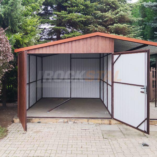 Garaż blaszany z bramą dwuskrzydłową