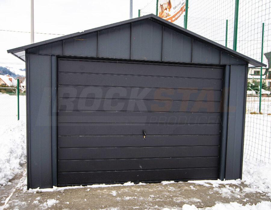 Nowoczesny duży garaż blaszany – weź go na kredyt!